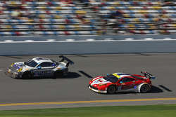 #44 Magnus Racing, Porsche 911 GT America: John Potter, Andy Lally, Marco Seefried, Martin Ragginger