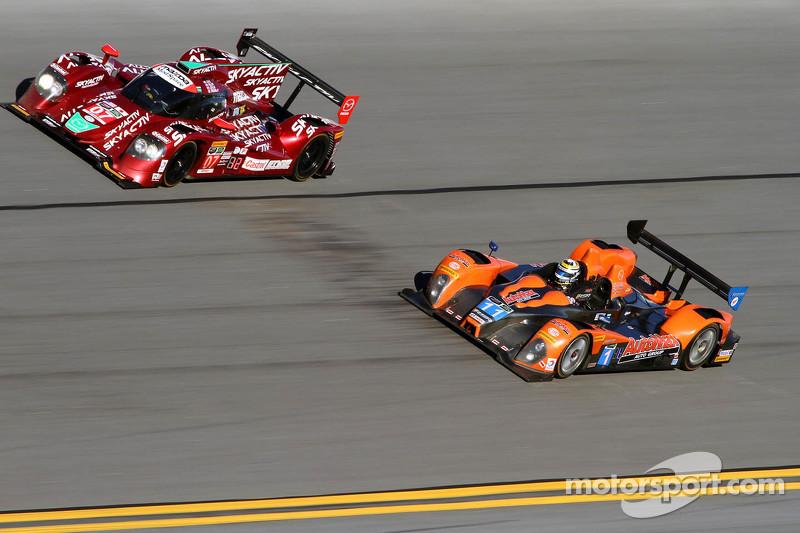 #07 SpeedSource Mazda Prototype: Joel Miller, Tom Long, Ben Devlin, Sylvain Tremblay sowie #11 RSR R