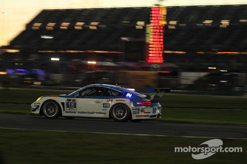#18 Muehlner Motorsports America Porsche 911 GT America: Marc Basseng, Michael Lira, Darryl O'Young,