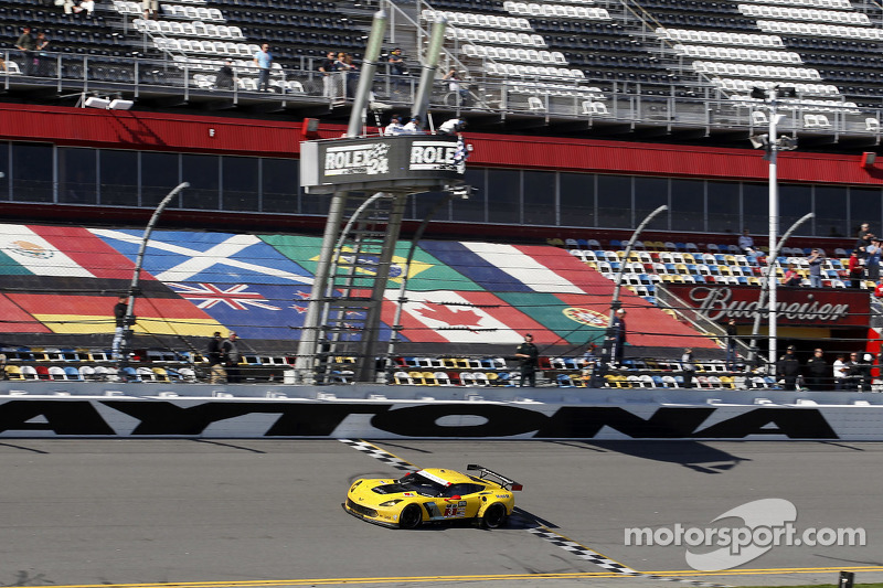 #3 Corvette Racing, Chevrolet Corvette C7.R: Jan Magnussen, Antonio Garcia, Ryan Briscoe takes the G