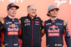 (L to R): Max Verstappen, Scuderia Toro Rosso; Franz Tost, Scuderia Toro Rosso Team Principal; and Carlos Sainz Jr., Scuderia Toro Rosso, at the Scuderia Toro Rosso STR10 unveiling