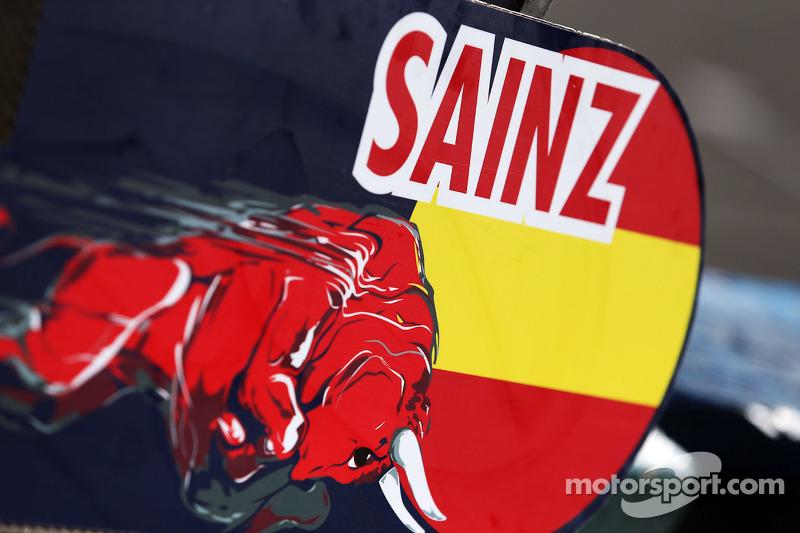 Піт боард для Карлос Сайнс мол., Scuderia Toro Rosso STR10
