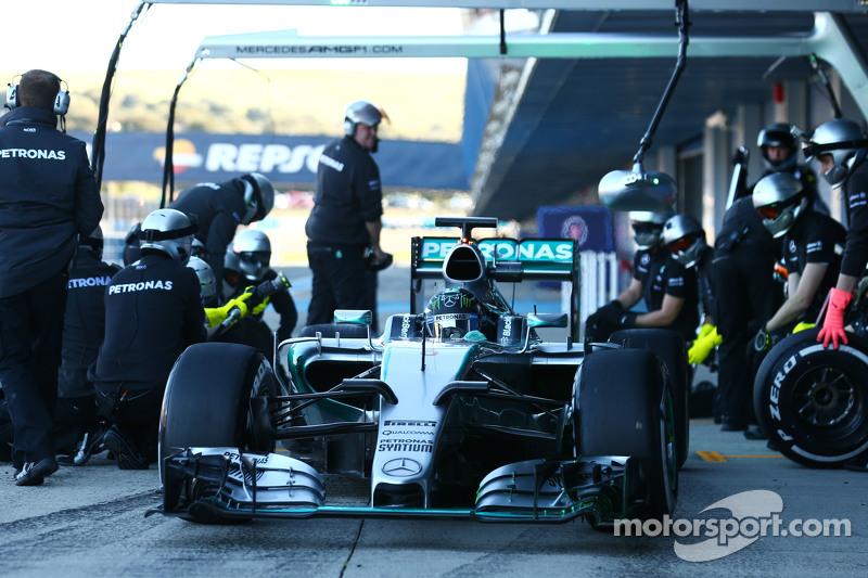 尼克·罗斯伯格, 梅赛德斯AMG车队 F1 W06赛车,练习进站进站