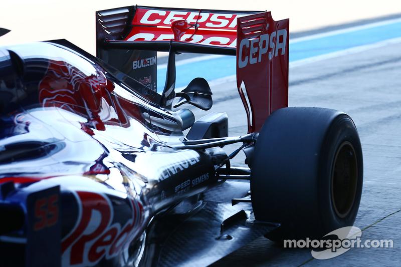 Scuderia Toro Rosso STR10 rear wing detail