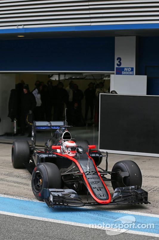 Jenson Button, McLaren MP4-30, verlässt die Box