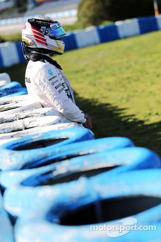 Lewis Hamilton, Mercedes AMG F1, para na pista