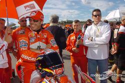 Loris Capirossi on the starting grid