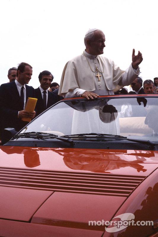 Візит папи Римського Івана Павла ІІ до Ferrari, 1988 рік