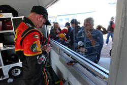 Kerry Earnhardt signs autographs for fans