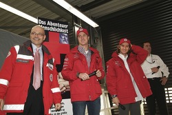 Ralf Schumacher and Jarno Trulli were made honorary Red Cross ambassadors for the Open Doors event