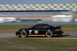 #88 Knobel Racing Porsche 996: Barry Ellis, Fraser Wellon, Frank Rossi