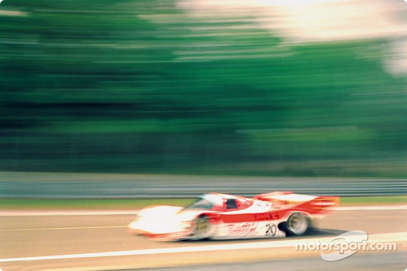 Team Davey Porsche 962C : Tim Lee-Davey, Giovanni Lavaggi, Max Cohen-Olivar