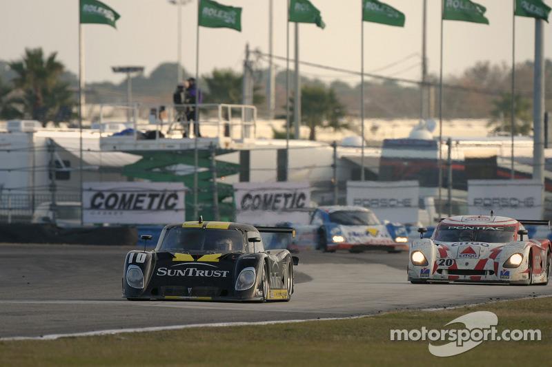 #10 SunTrust Racing Pontiac Riley: Wayne Taylor, Max Angelelli, Emmanuel Collard et #20 CITGO - Howard - Boss Motorsports Pontiac Crawford: Andy Wallace, Jan Lammers, Tony Stewart