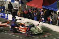 Pitstop for #2 CITGO - Howard - Boss Motorsports Pontiac Crawford: Milka Duno, Dario Franchitti, Dan Wheldon, Marino Franchitti