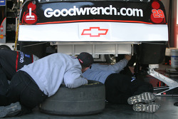 Goodwrench crew at work