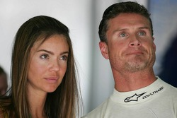 David Coulthard y novia Simone