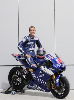 Gauloises Yamaha Team photoshoot: Colin Edwards