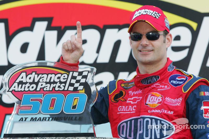 El ganador de la carrera, Jeff Gordon