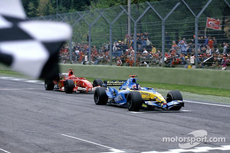 GP de San Marino 2005 – No ano do primeiro título, esta certamente foi sua vitória mais impactante. Fernando precisou usar sua habilidade para segurar o ataque voraz do heptacampeão Schumacher nas voltas finais.
