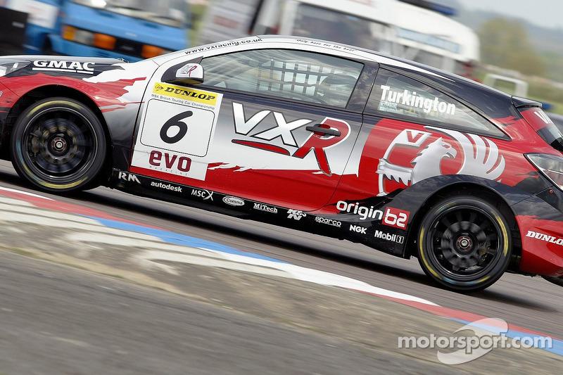 btcc-thruxton-2005-6-vx-racing-vauxhall-