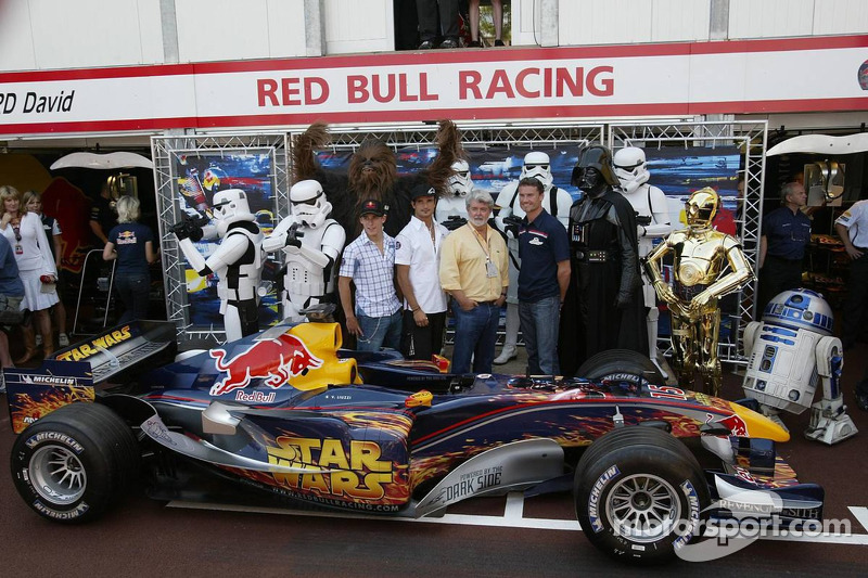 Christian Klien, Vitantonio Liuzzi und David Coulthard mit George Lucas