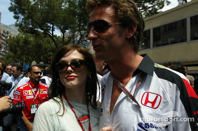 Jenson Button con atleta Emma Davies
