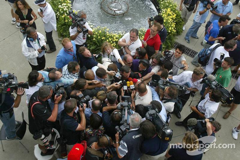 Paul Stoddart nach dem Michelin-Meeting