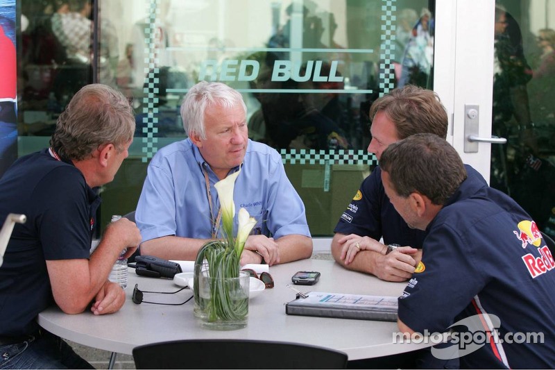 Charlie Whiting, Christian Horner y Dave Stubbs