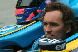 #124 2004 Renault R24, class 16: Franck Montagny