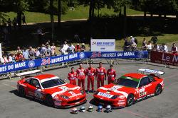 #51 and #52 BMS Scuderia Italia Ferrari 550 Maranello: Christian Pescatori, Fabrizio Gollin, Miguel Ramos, Michele Bartyan, Matteo Malucelli, Toni Seiler