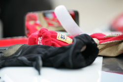 Racing gloves of Nelson Philippe