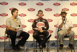 Office Depot inks multi-year primary sponsorship deal with Roush Racing and driver Carl Edwards: Tony Veber, VP of strategic marketing for Office Depot, Carl Edwards, driver of the #99 Office Depot Ford, and Jack Roush, owner of Roush Racing