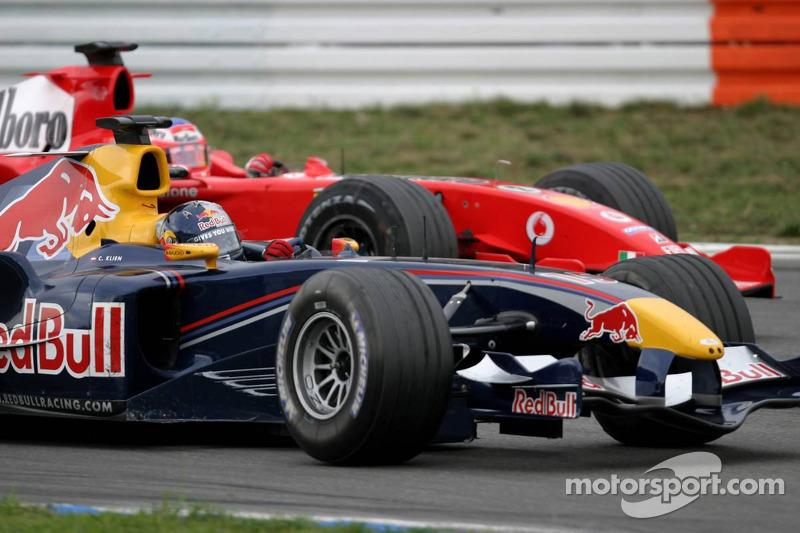 Christian Klien pasa a Rubens Barrichello