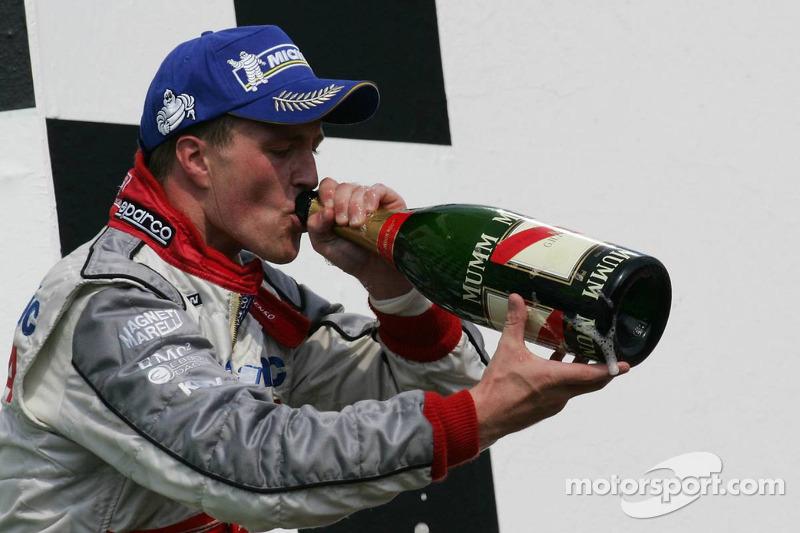 Podio: champagne para Ralf Schumacher