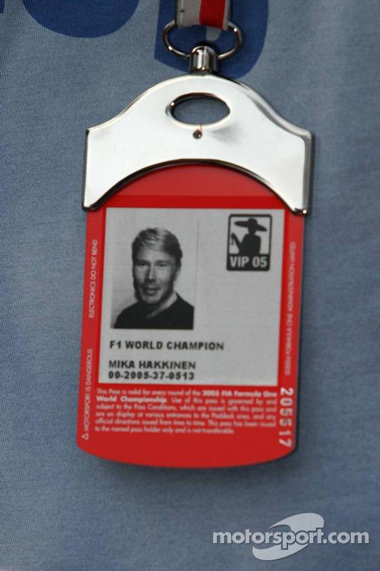 Acreditación de Mika Hakkinen