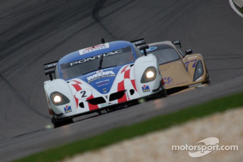 La CITGO - Howard - Boss Motorsports Pontiac Crawford N°2 (Andy Wallace, Milka Duno) et la Doran Racing Ford N°77 (Fabrizio Gollin, Matteo Bobbi)