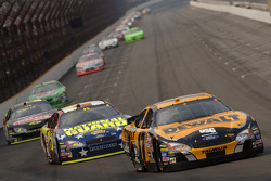 Matt Kenseth leads Greg Biffle