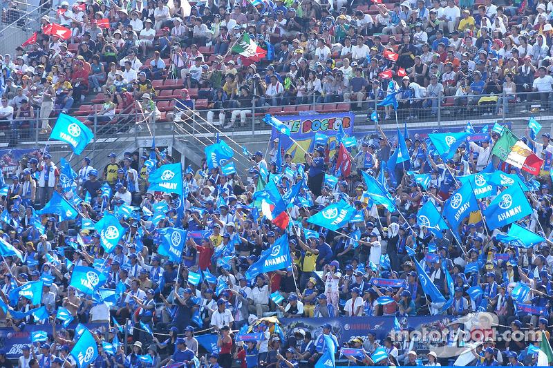 Motegi fans listos para la carrera