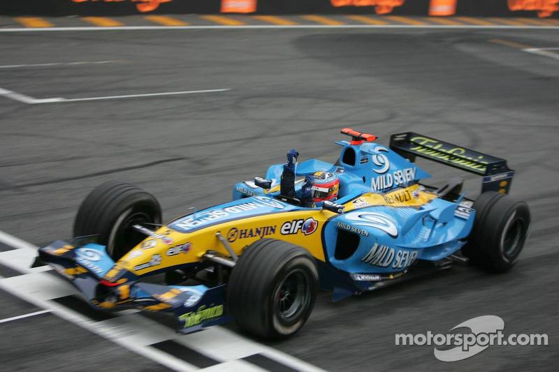 Zieldurchfahrt: Fernando Alonso wird 3.