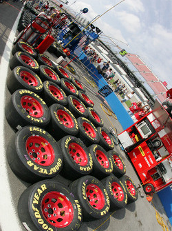 Race tires for Kasey Kahne