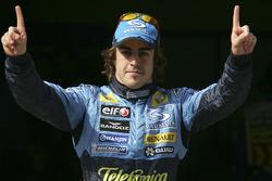 El ganador de la pole Fernando Alonso