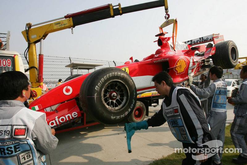 El Ferrari de Michael Schumacher después de su vuelta
