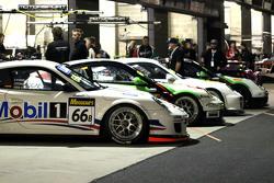 #66 保时捷997 GT3杯: Chris van der Drift, Frank Lyons, Michael Lyons, Lindsay O'Donnell