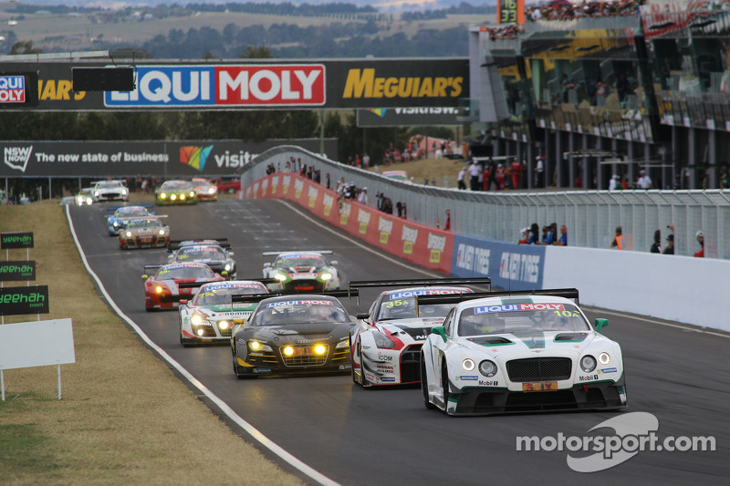 #10 Bentley Team M-Sport, Bentley Continental GT3: Guy Smith, Steven Kane, Matt Bell