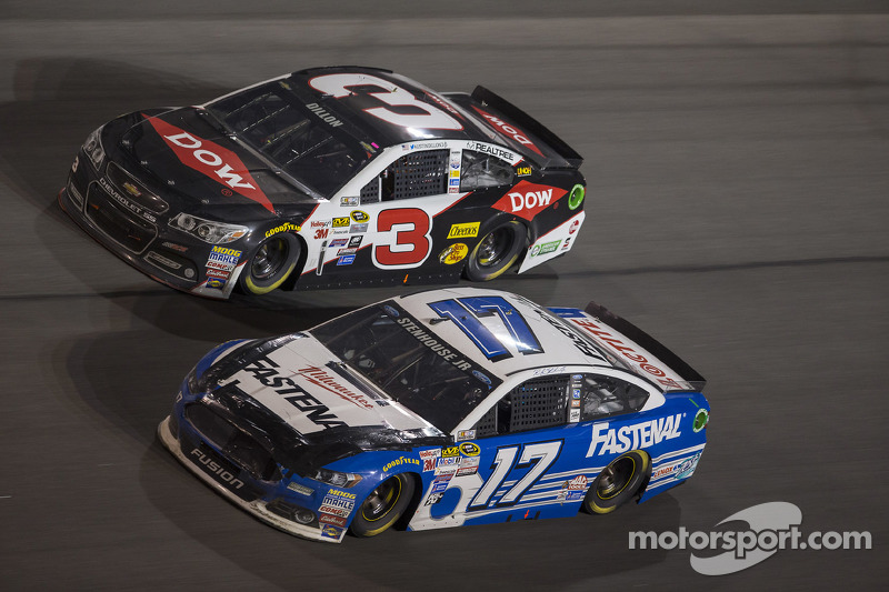 Ricky Stenhouse Jr., Roush Fenway Racing Ford, Austin Dillon, Richard Childress Racing Chevrolet