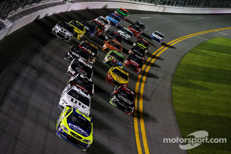 Пол Менард, Річард Чілдресс Racing Chevrolet лідирує