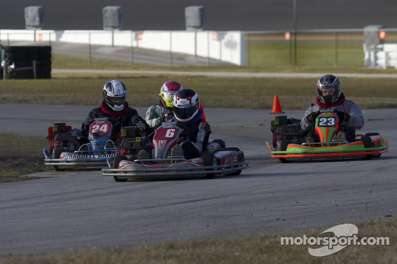 #6 Singularity Racing: Mahatru, Andy Mack, Dylan Smith, Andrew von Fange, Skylar Робінсин