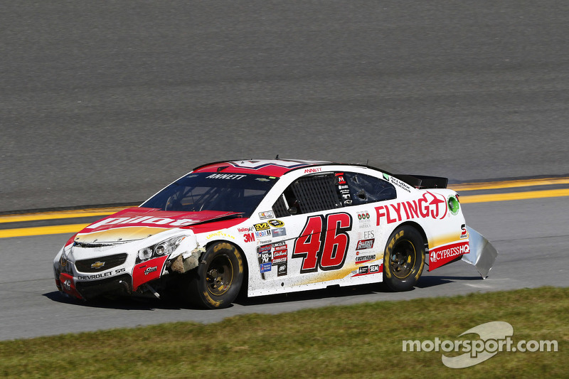 Michael Annett, HScott Motorsports Chevrolet sorun yaşıyor