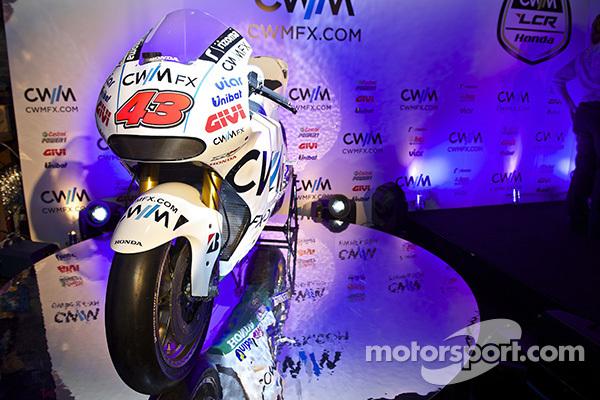 Кэл Кратчлоу. Команда LCR Honda представила мотоцикл для MotoGP 2015, команда LCR Honda представила