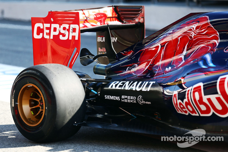 Scuderia Toro Rosso STR10 rear wing detail